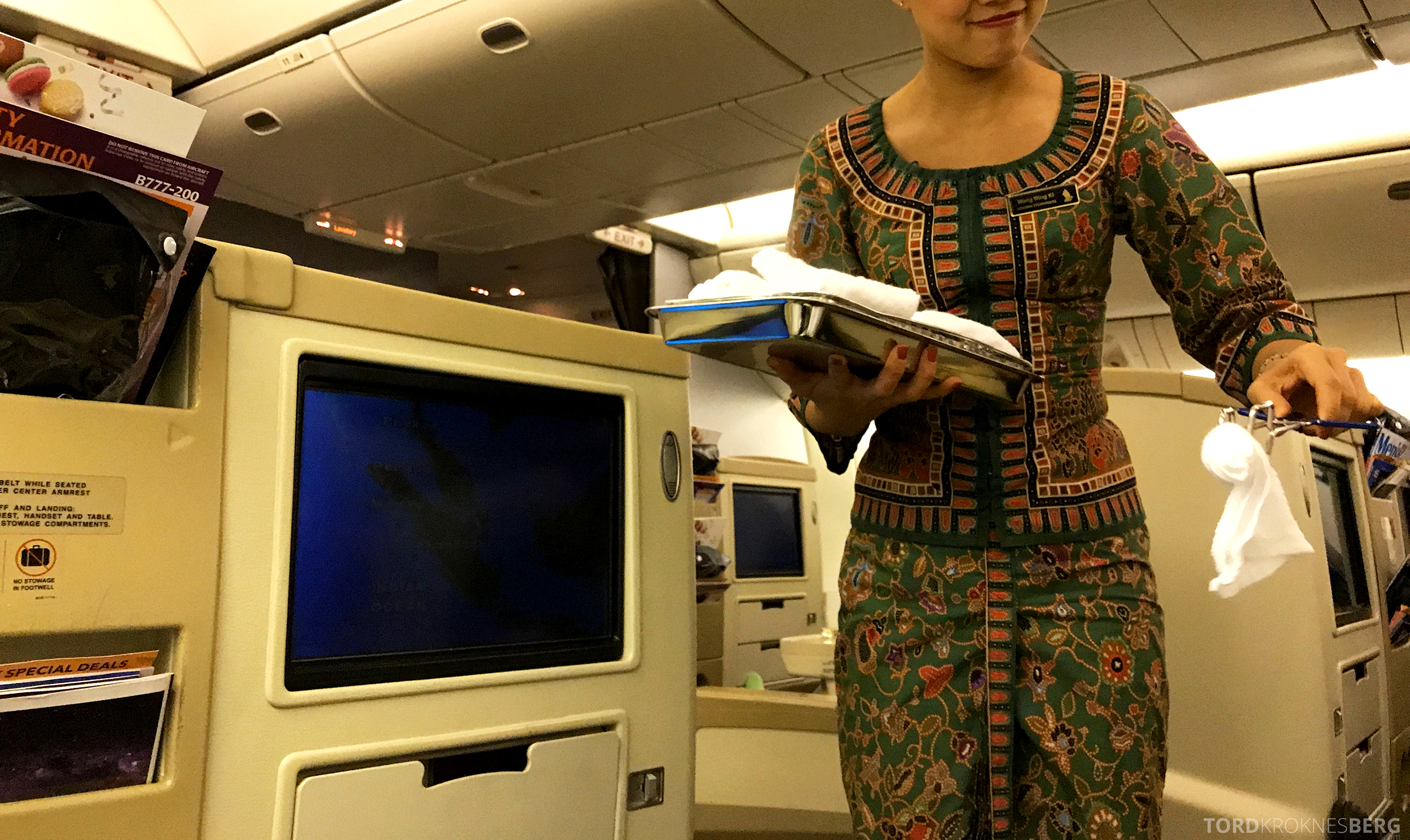 Singapore Airlines Business Class Canberra meny varm klut