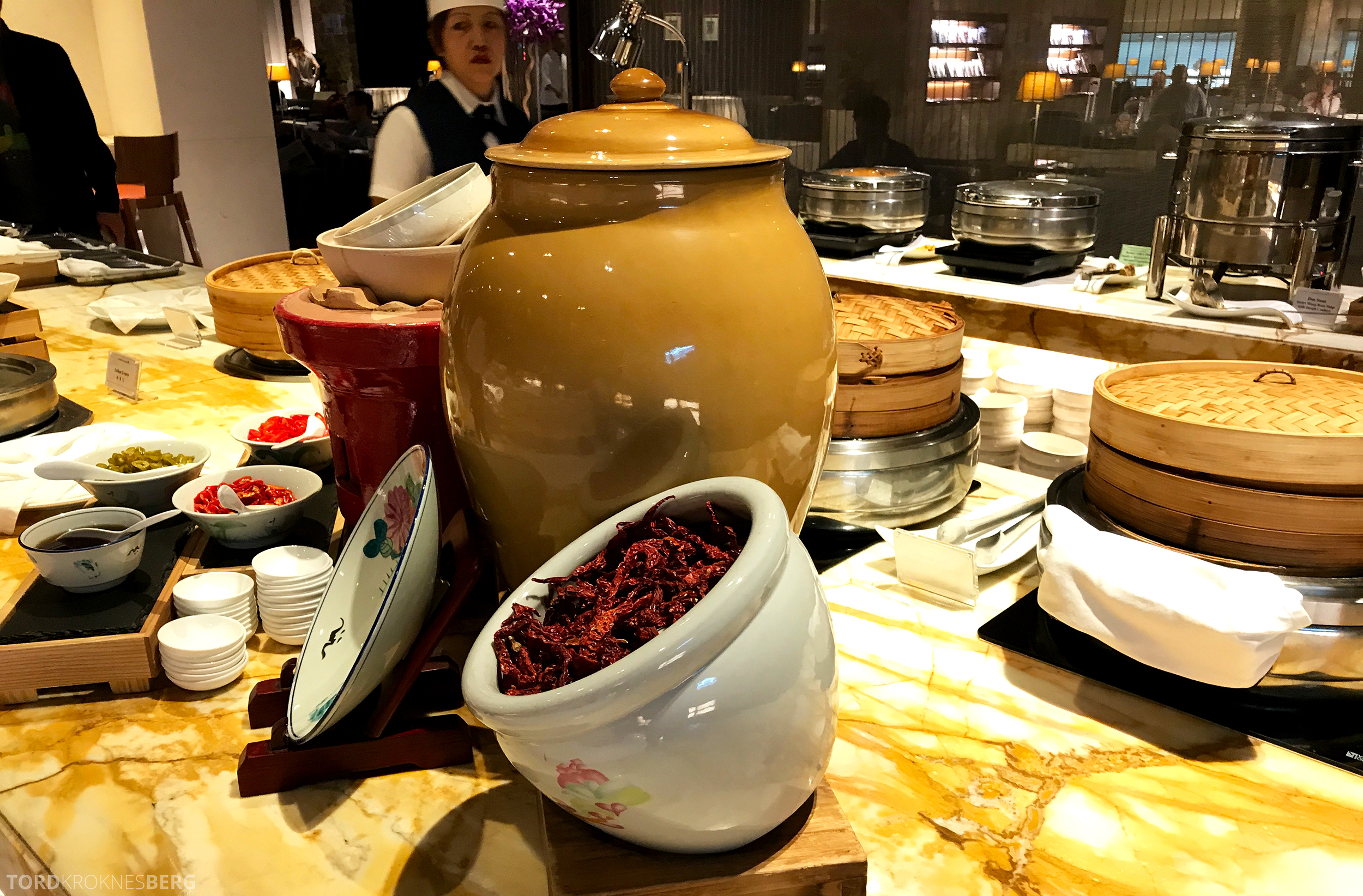 Singapore Airlines SilverKris Lounge buffet