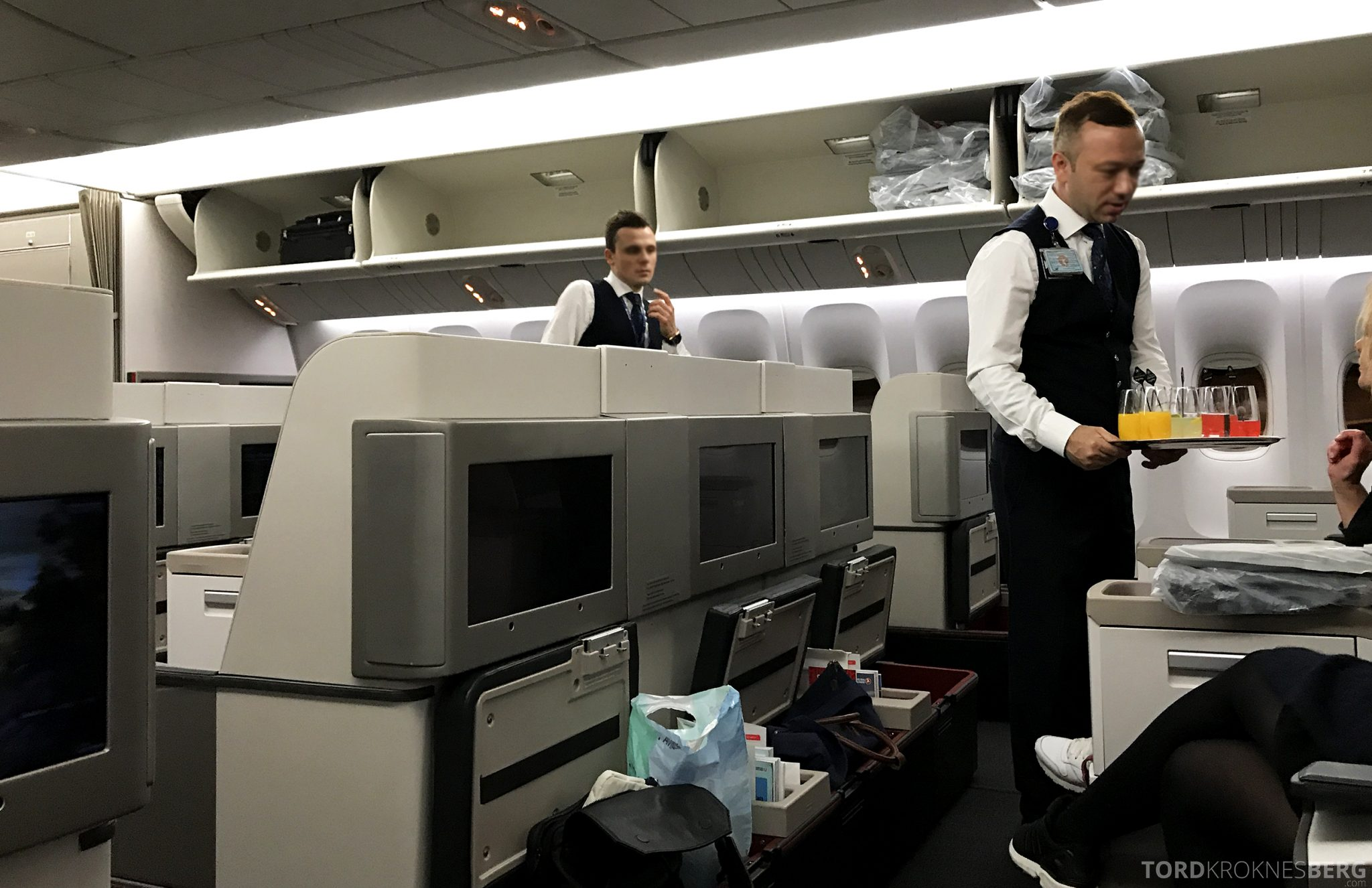 Turkish Airlines Business Class Istanbul Jakarta velkomstdrink