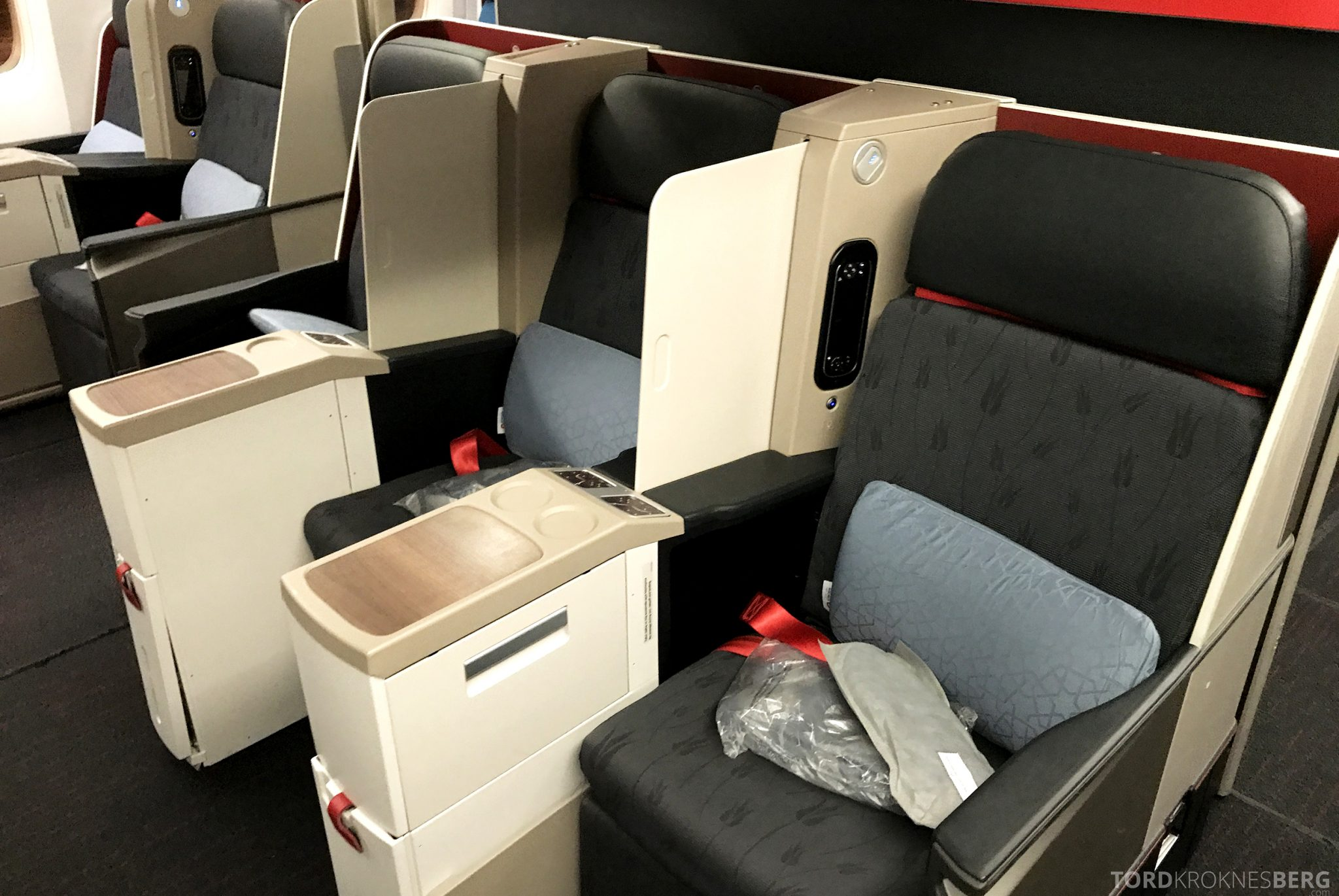 Turkish Airlines Business Class Istanbul Jakarta seter