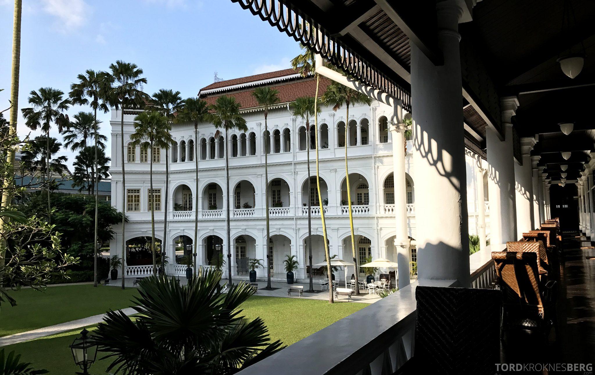 Raffles Hotel Singapore bakhave
