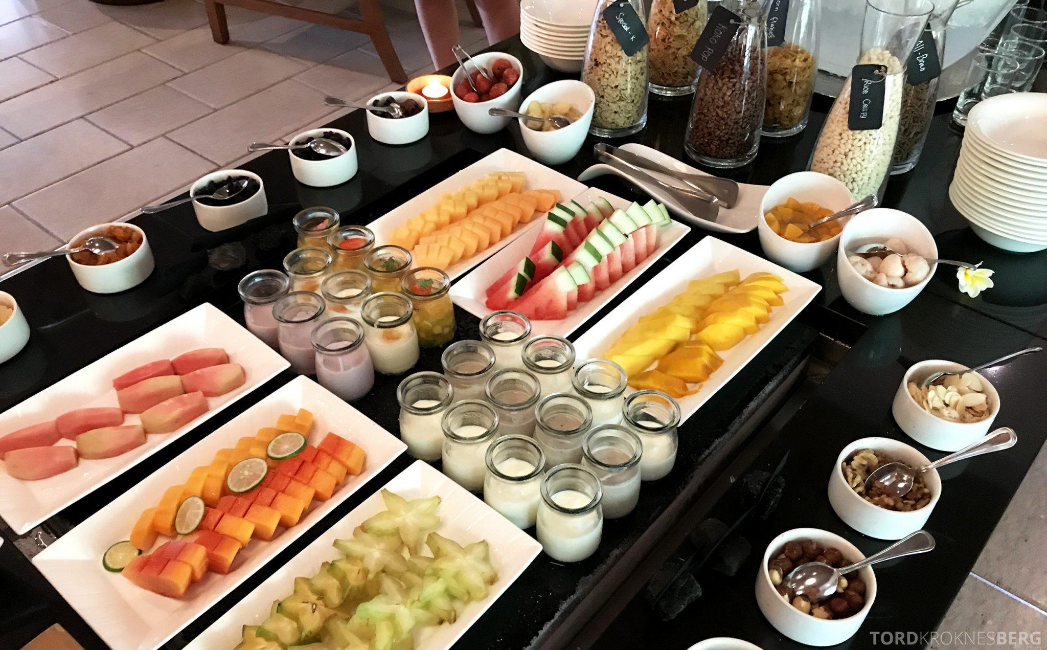 Ritz-Carlton Bali Club Lounge frokost frukt og bær