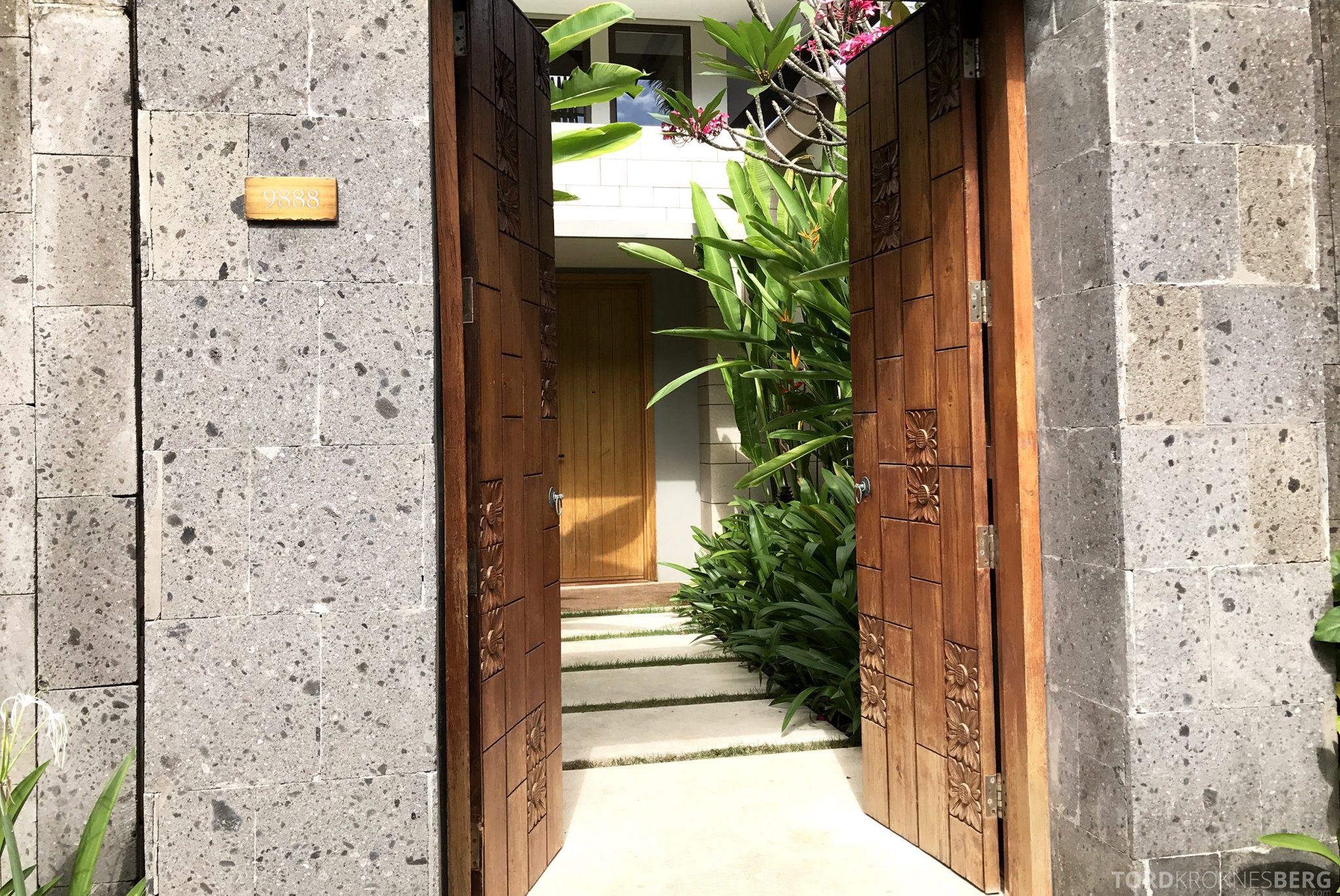 Ritz-Carlton Bali Suites presidential suite inngang