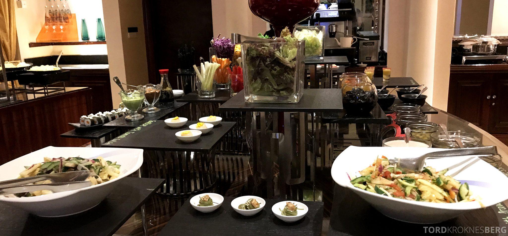 Ritz-Carlton Jakarta Club Lounge hors d'oeuvre