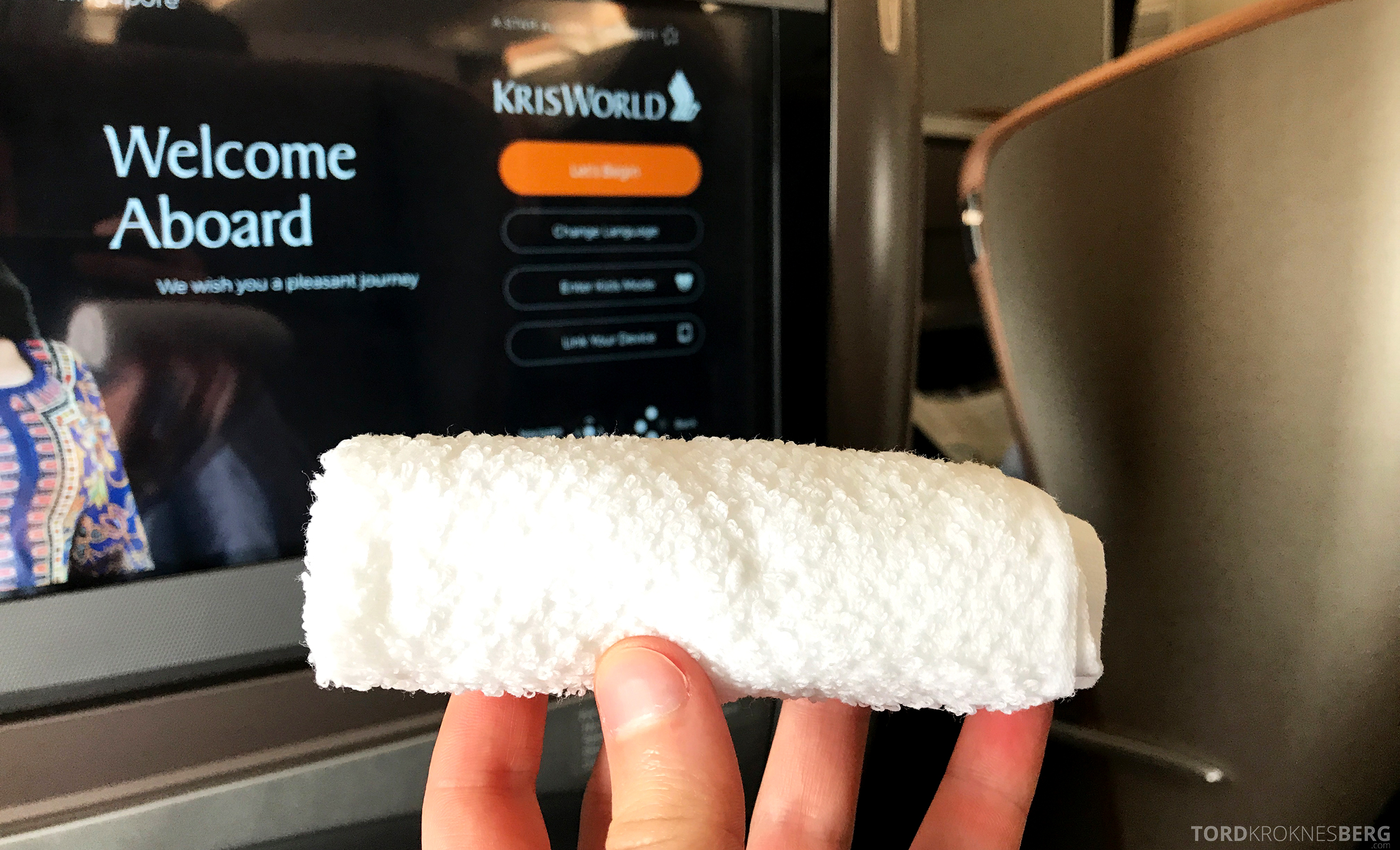 Singapore Airlines Business Class Moskva Singapore hot towel