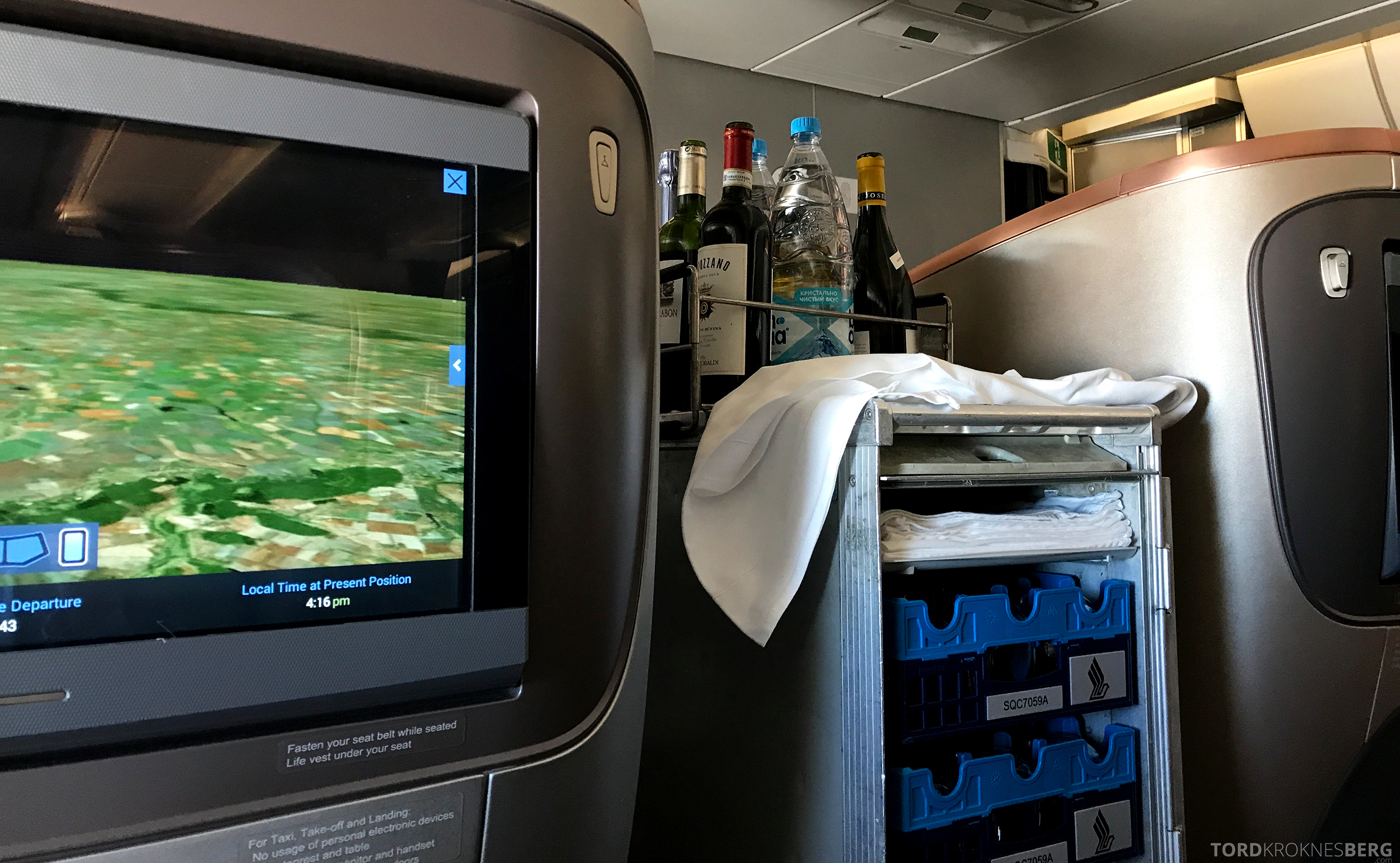 Singapore Airlines Business Class Moskva Singapore drikketralle