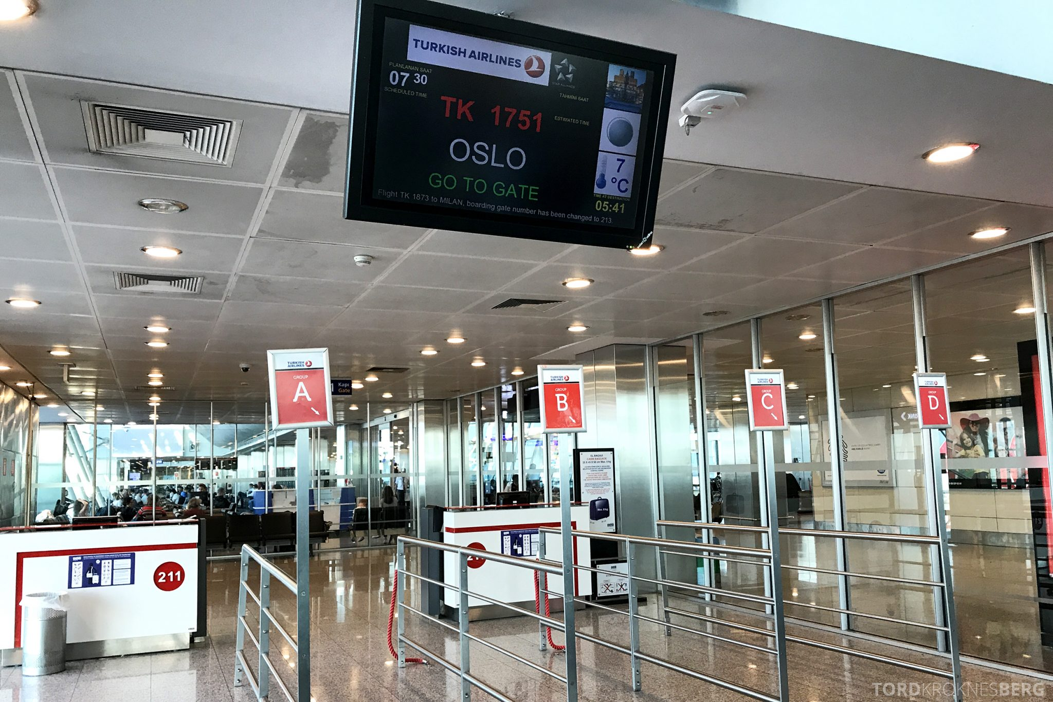 Turkish Airlines Business Class Istanbul Oslo gate