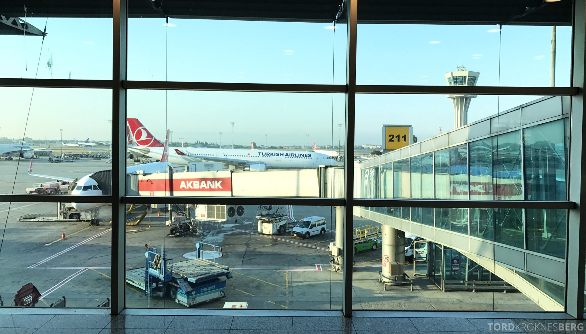 Turkish Airlines Business Class Istanbul Oslo fly