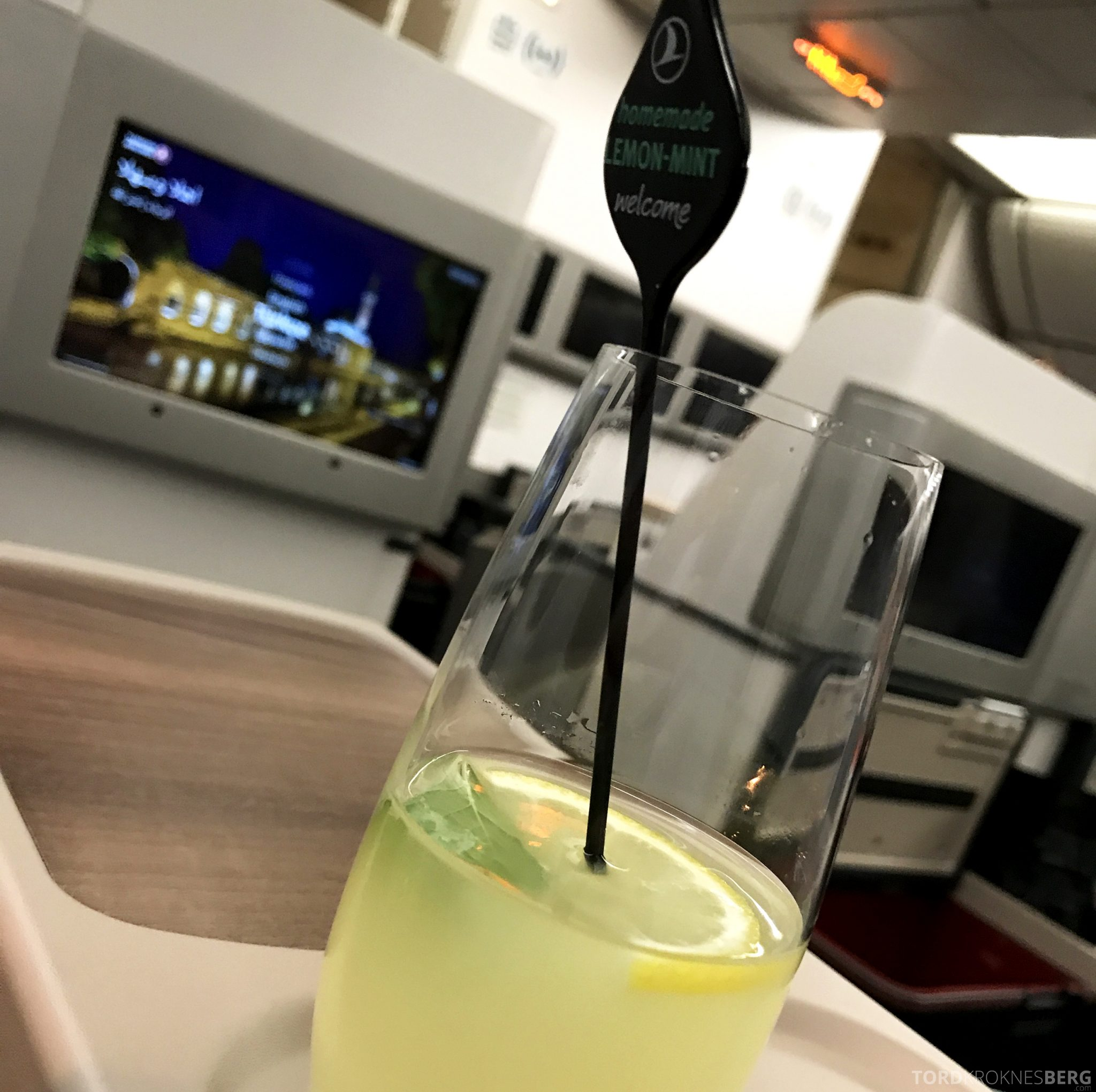 Turkish Airlines Business Class Jakarta Istanbul limonade