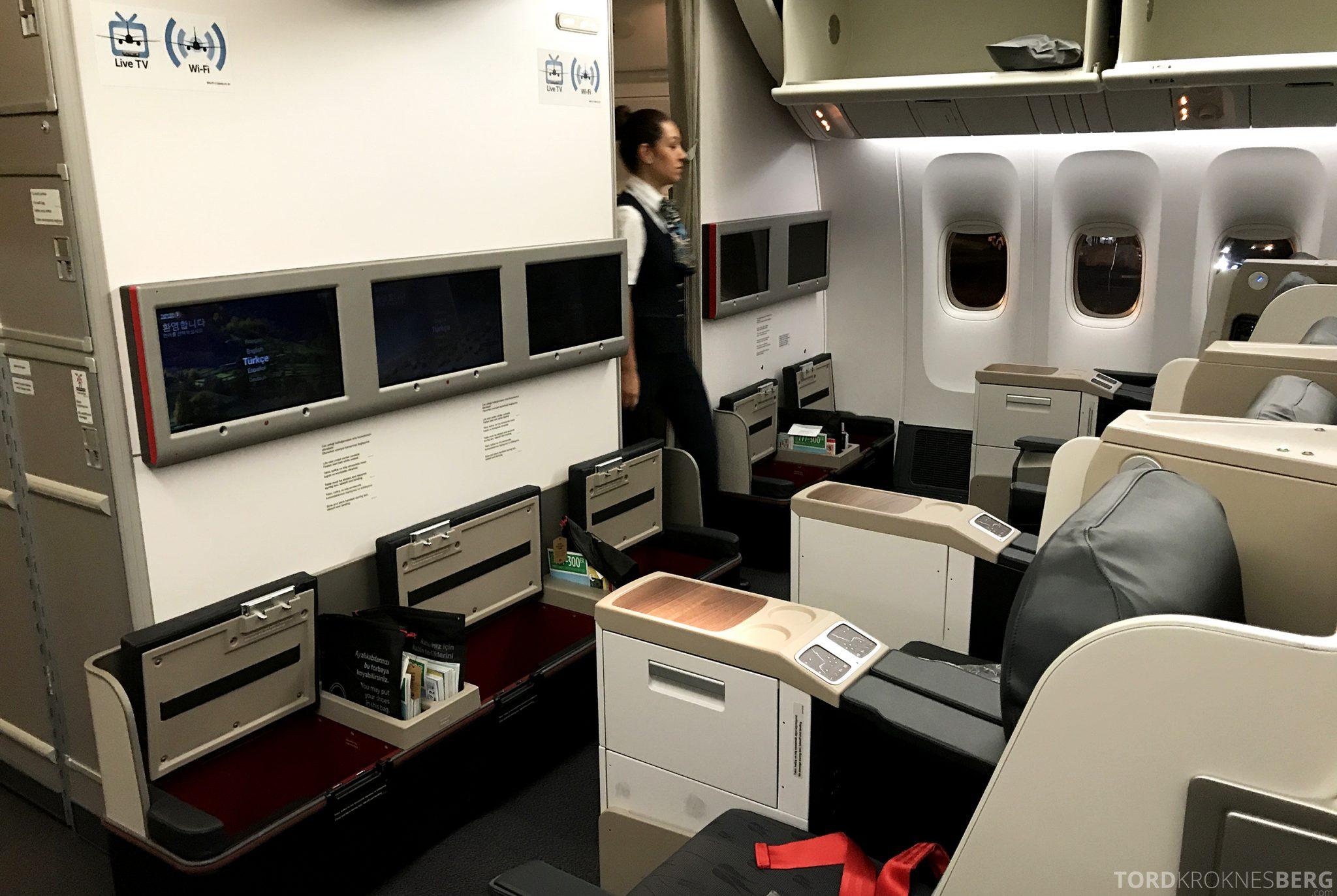 Turkish Airlines Business Class Jakarta Istanbul kabin