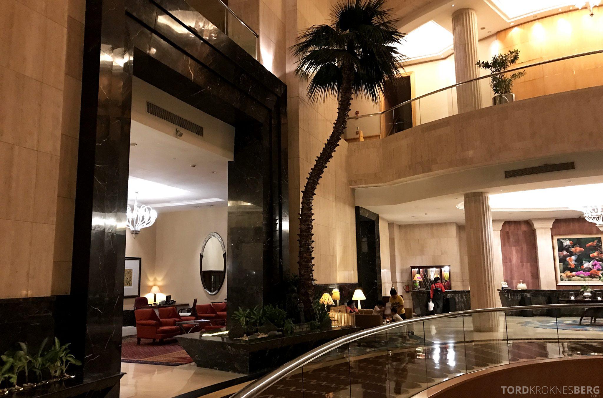 Ritz-Carlton Jakarta lobby