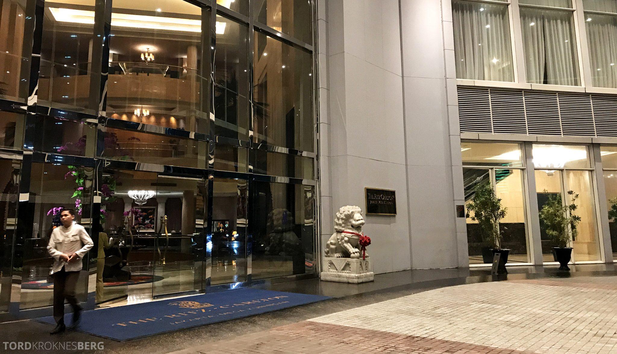 Ritz-Carlton Jakarta inngangsparti