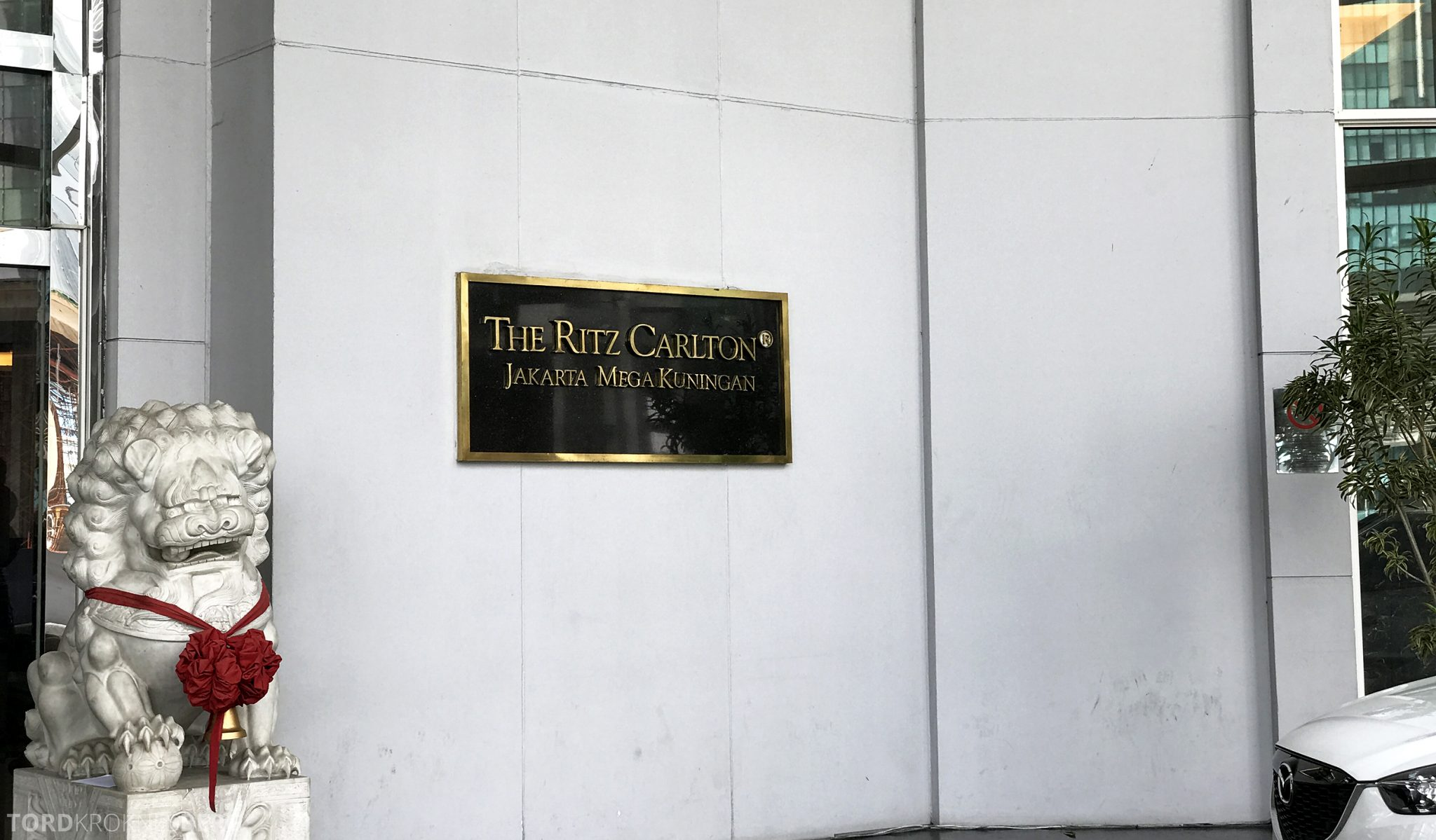 Ritz-Carlton Jakarta logo