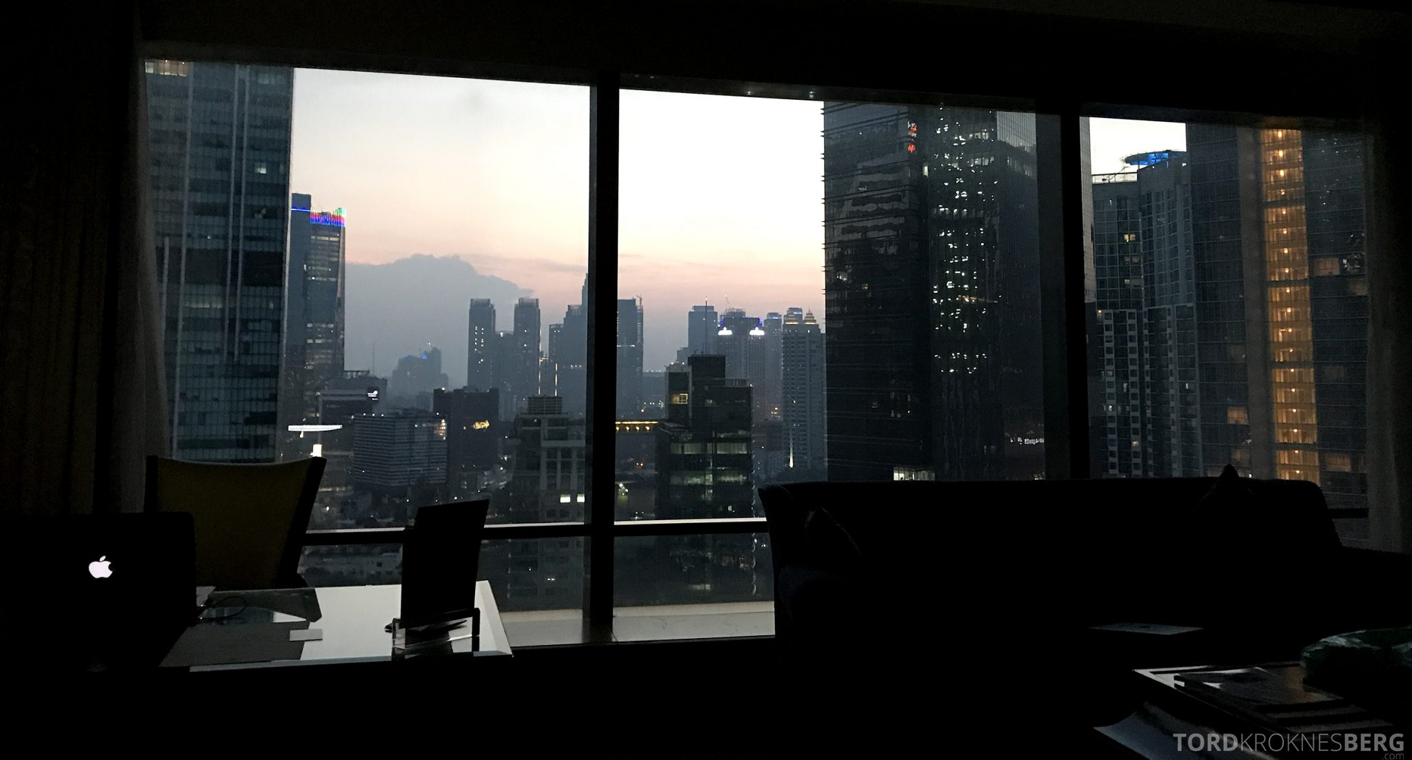Ritz-Carlton Jakarta utsikt natt