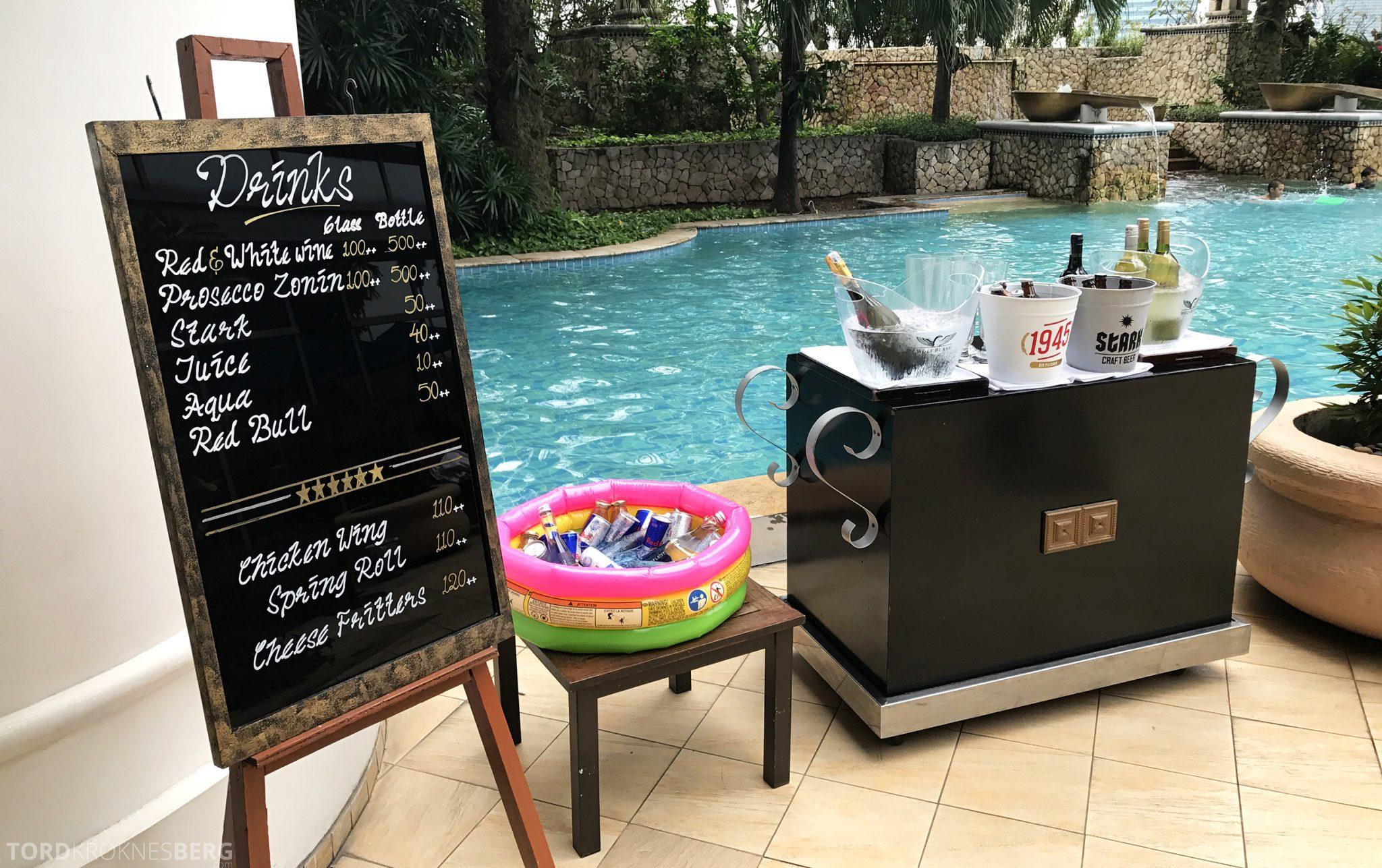 Ritz-Carlton Jakarta pool bar